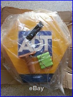 NEW Adt Alarm Bell Box Dummy Kit. Solar Led Flash Panel, Bracket And Battery BB5